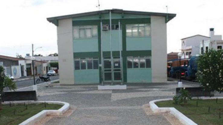 Prefeito de Tanhaçu-BA viola o próprio Decreto Municipal e põe em risco a saúde dos Trabalhadores da Educação