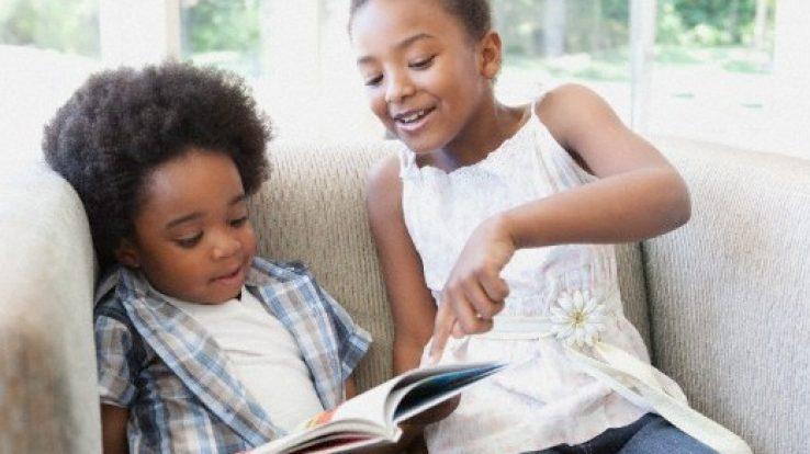 """Artigo: """"Olho, mas não me reconheço: A criança negra na literatura infantil"""""""